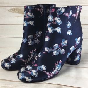 Urban Outfitters Women's Floral Juliet Booties 7
